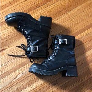 No boundaries boots